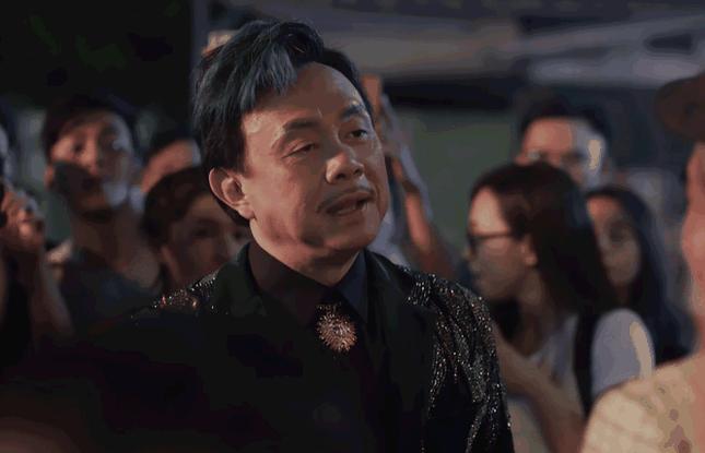 Showbiz 12/12: Rớt nước mắt trước câu nói của NSƯT Hoài Linh trong tang lễ nghệ sĩ Chí Tài ảnh 3