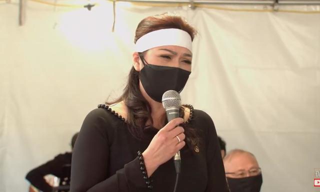 Showbiz 20/12: Ca sĩ tỷ phú Hà Phương viếng tặng gần 2 tỷ đồng ở đám tang nghệ sĩ Chí Tài ảnh 1