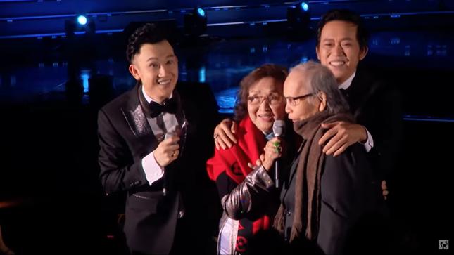 Showbiz 25/12: Sau ồn ào với Kiều Minh Tuấn, An Nguy mang thai khi yêu bạn đồng giới ảnh 3