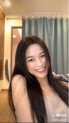 Chia sẻ clip đời thường, Hoa hậu Đỗ Thị Hà được khen xinh đẹp tự nhiên ảnh 1