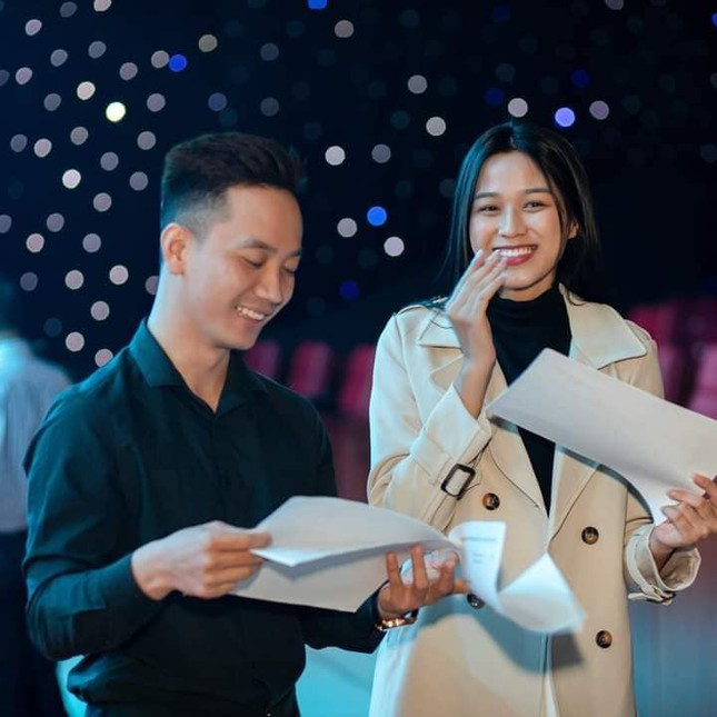 Chia sẻ clip đời thường, Hoa hậu Đỗ Thị Hà được khen xinh đẹp tự nhiên ảnh 11