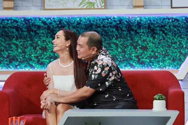 Showbiz 29/12: Điều Thủy Tiên thích nhất của Công Vinh là 'ở dơ' ảnh 2