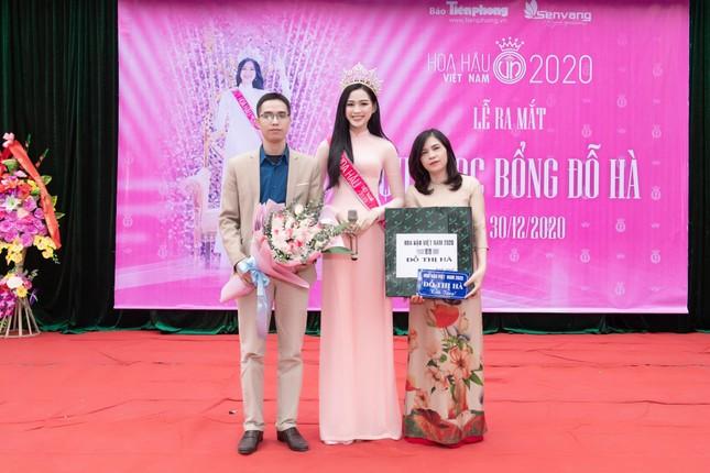 Hoa hậu Đỗ Thị Hà xúc động khi trở lại trường cấp 3 ở Hậu Lộc ảnh 5