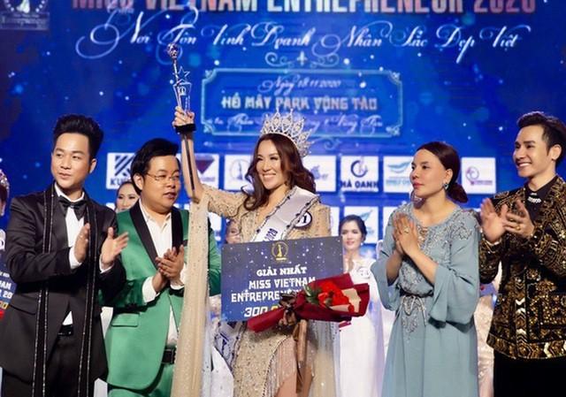 Showbiz 30/12: Việt Hương lên tiếng về việc hỗ trợ đưa tro cốt Vân Quang Long về Việt Nam ảnh 4