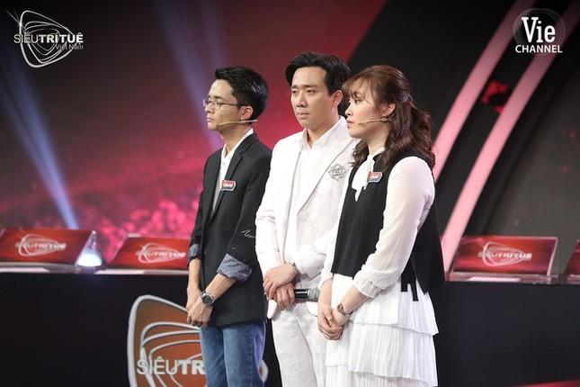 Showbiz 10/1: Ảnh đời thường mới xinh đẹp của Hoa hậu Đỗ Thị Hà ảnh 3