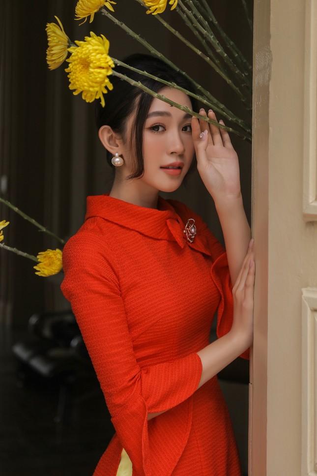 Người đẹp được yêu thích nhất HHVN 2020 xinh như mộng khi hoá quý cô thập niên 60 ảnh 1