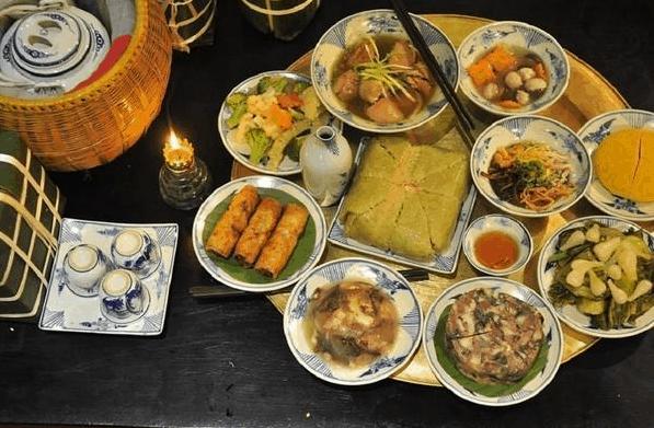 Những món ăn cổ truyền không thể thiếu ngày Tết ảnh 1