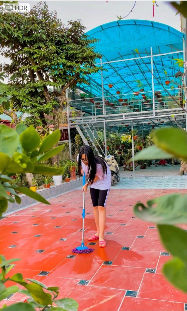 Những hình ảnh giản dị ở quê nhà của hoa hậu Đỗ Thị Hà chiều 30 Tết ảnh 3