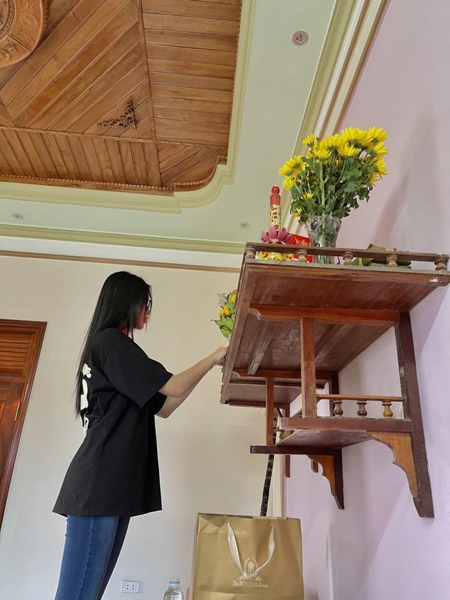 Những hình ảnh giản dị ở quê nhà của hoa hậu Đỗ Thị Hà chiều 30 Tết ảnh 7