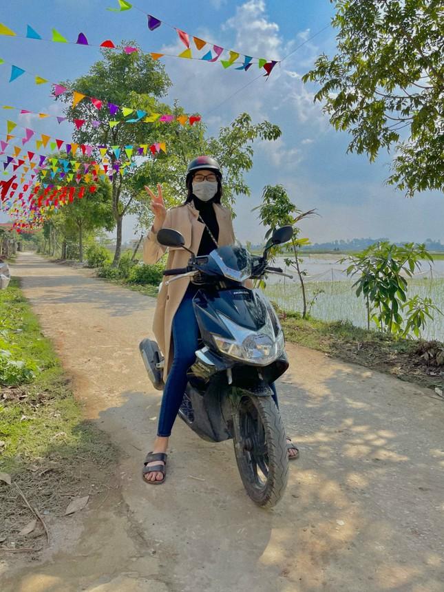 Những hình ảnh giản dị ở quê nhà của hoa hậu Đỗ Thị Hà chiều 30 Tết ảnh 4