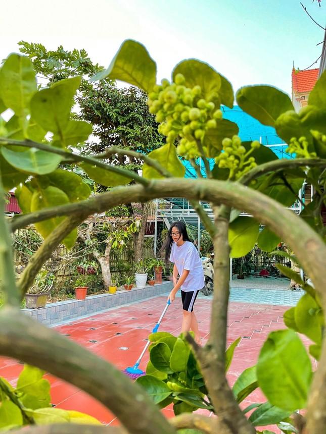 Những hình ảnh giản dị ở quê nhà của hoa hậu Đỗ Thị Hà chiều 30 Tết ảnh 2
