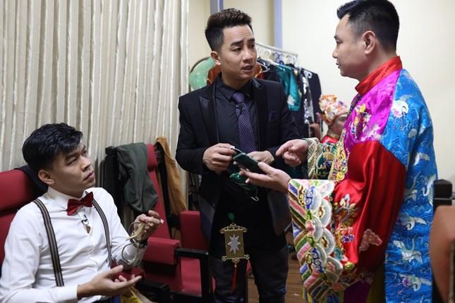 Showbiz 13/2: Phillip Nguyễn nói cảm ơn Linh Rin trước thềm Valentine ảnh 3