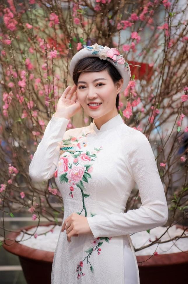 Showbiz 13/2: Phillip Nguyễn nói cảm ơn Linh Rin trước thềm Valentine ảnh 5