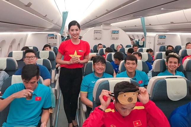 Những hotgirl là tiếp viên hàng không từng thi Hoa hậu Việt Nam giờ ra sao? ảnh 2