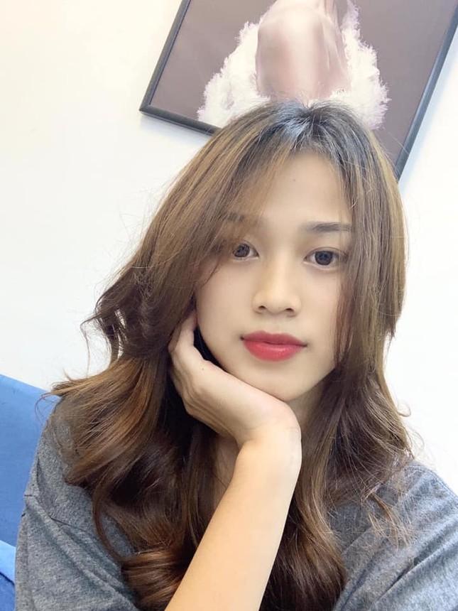 Những hình ảnh ngày bé chưa từng hé lộ của Hoa hậu Đỗ Thị Hà ảnh 9