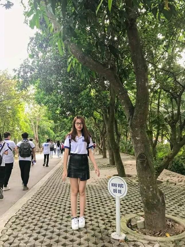 Những hình ảnh ngày bé chưa từng hé lộ của Hoa hậu Đỗ Thị Hà ảnh 12