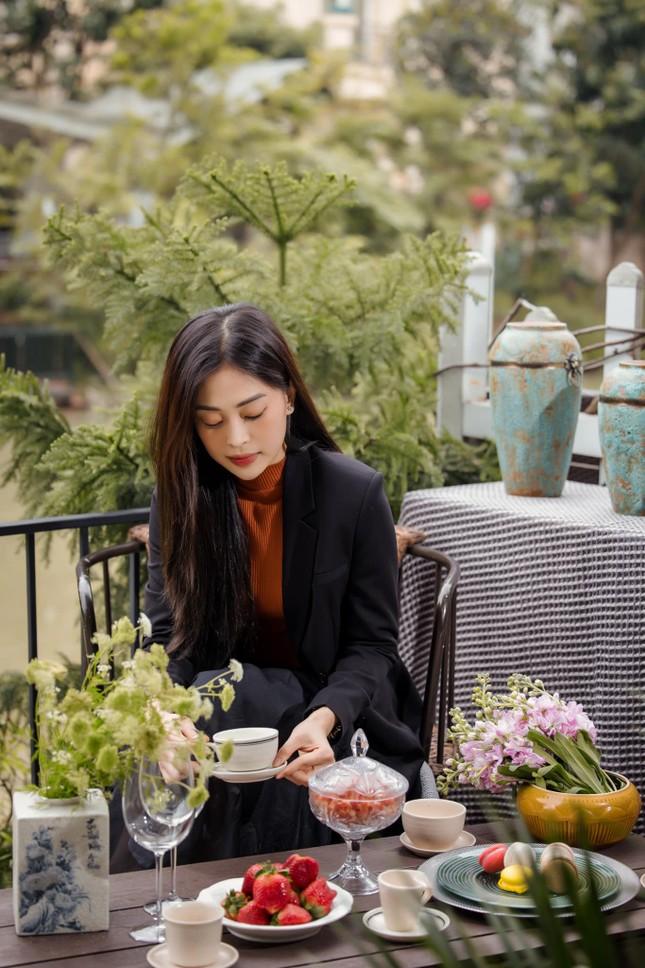 Top 3 Hoa hậu Việt Nam 2018: Tiểu Vy thần thái sang chảnh, Phương Nga-Thúy An ngày càng quyến rũ ảnh 8
