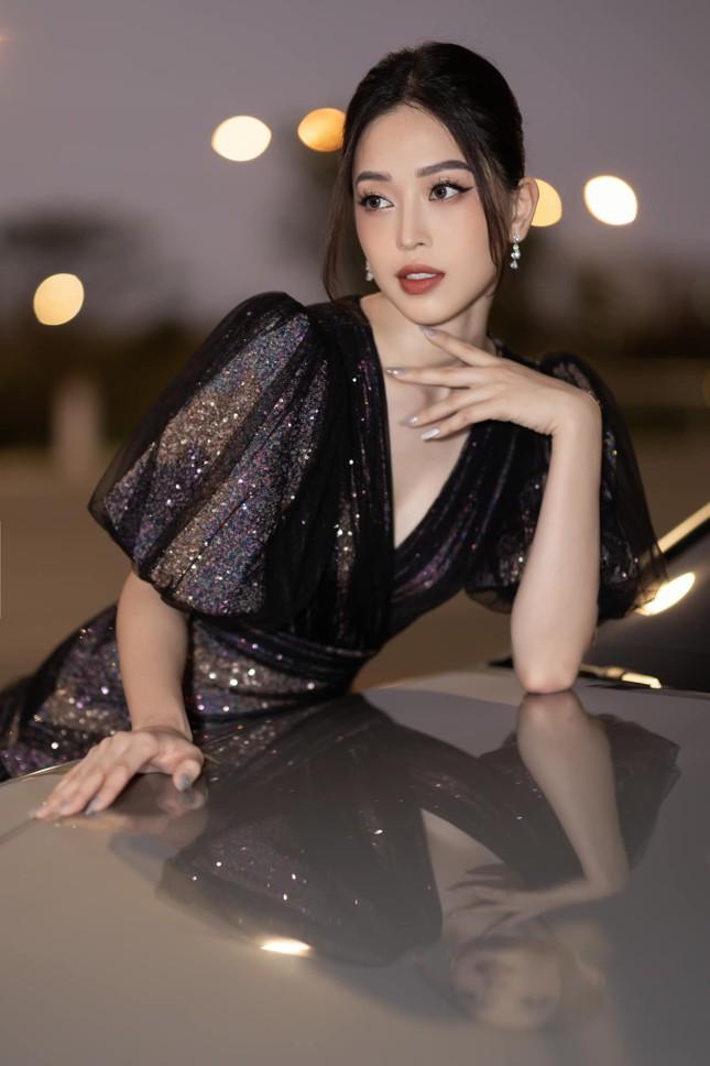 Top 3 Hoa hậu Việt Nam 2018: Tiểu Vy thần thái sang chảnh, Phương Nga-Thúy An ngày càng quyến rũ ảnh 12
