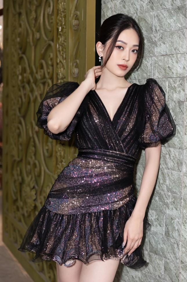 Top 3 Hoa hậu Việt Nam 2018: Tiểu Vy thần thái sang chảnh, Phương Nga-Thúy An ngày càng quyến rũ ảnh 11