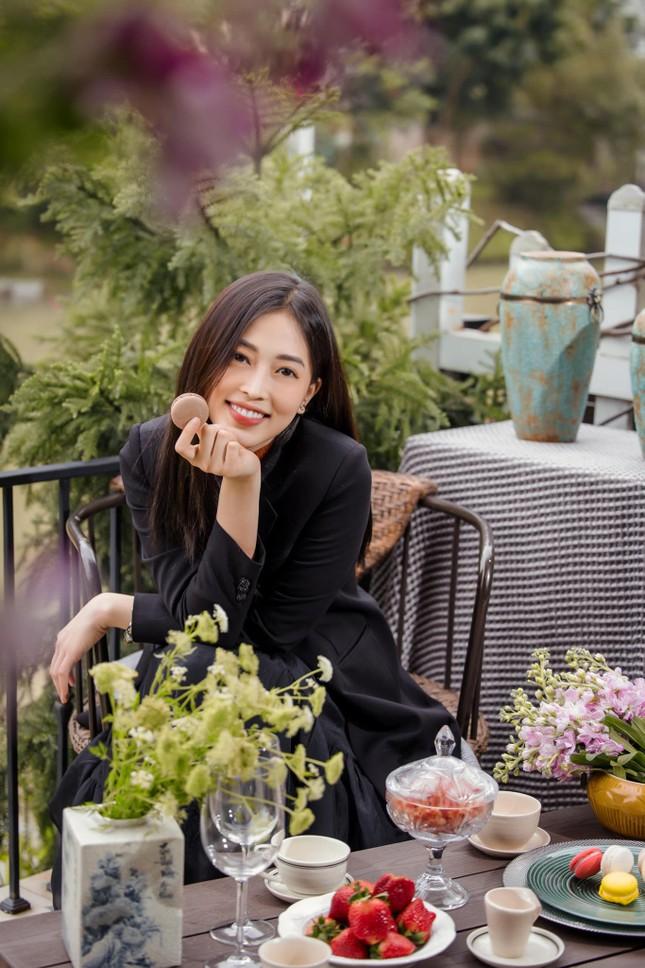 Top 3 Hoa hậu Việt Nam 2018: Tiểu Vy thần thái sang chảnh, Phương Nga-Thúy An ngày càng quyến rũ ảnh 10