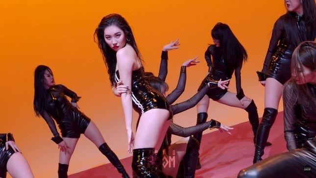 Showbiz 25/2: Mạc Văn Khoa gây 'sốc' khi tậu biệt thự trị giá gần 50 tỷ đồng ảnh 5