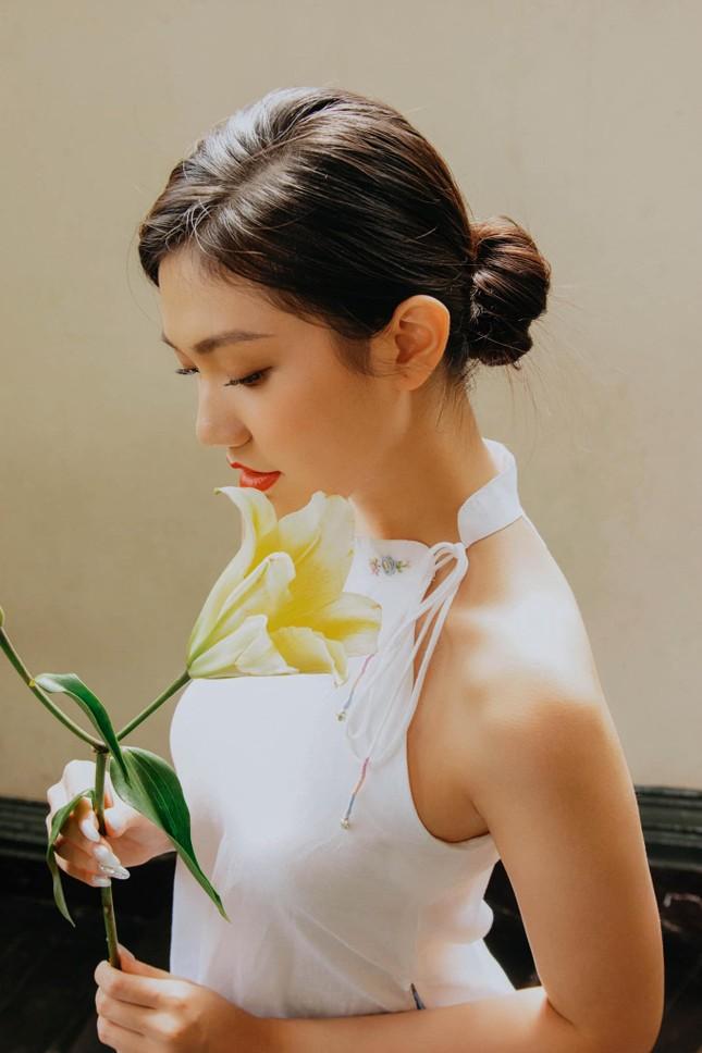 Nhan sắc kiều diễm của Hoa khôi Đại học Hoa sen từng thi Hoa hậu Việt Nam 2020 ảnh 13