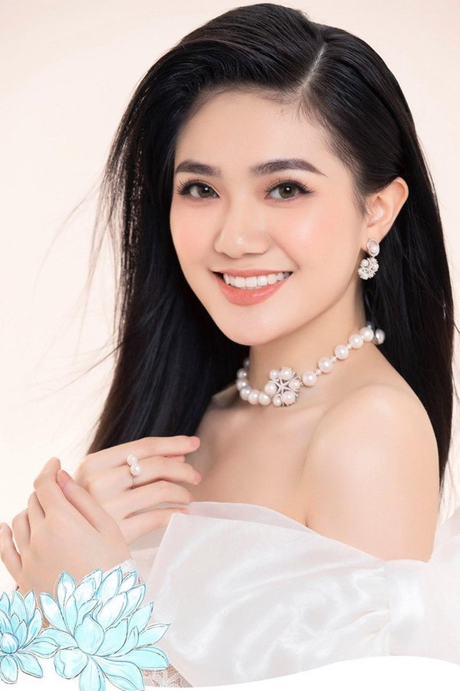 Nhan sắc kiều diễm của Hoa khôi Đại học Hoa sen từng thi Hoa hậu Việt Nam 2020 ảnh 2