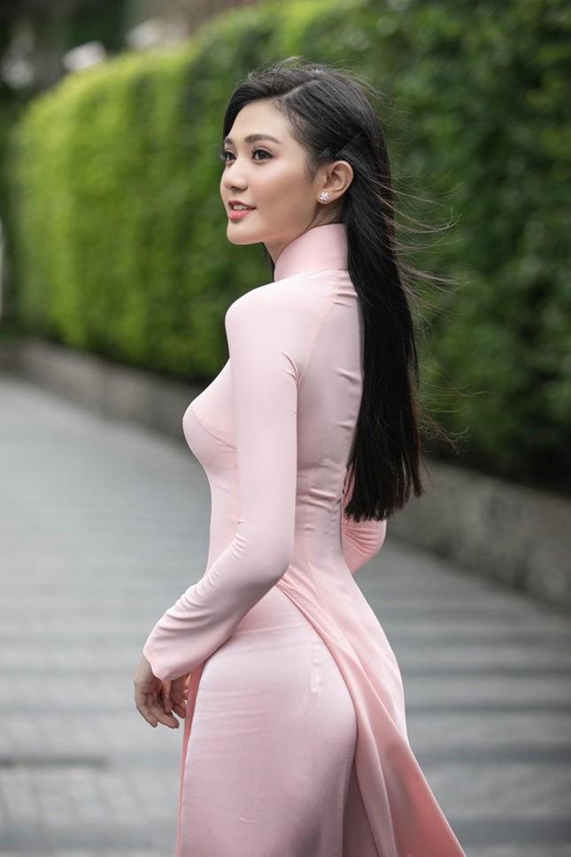 Nhan sắc kiều diễm của Hoa khôi Đại học Hoa sen từng thi Hoa hậu Việt Nam 2020 ảnh 1
