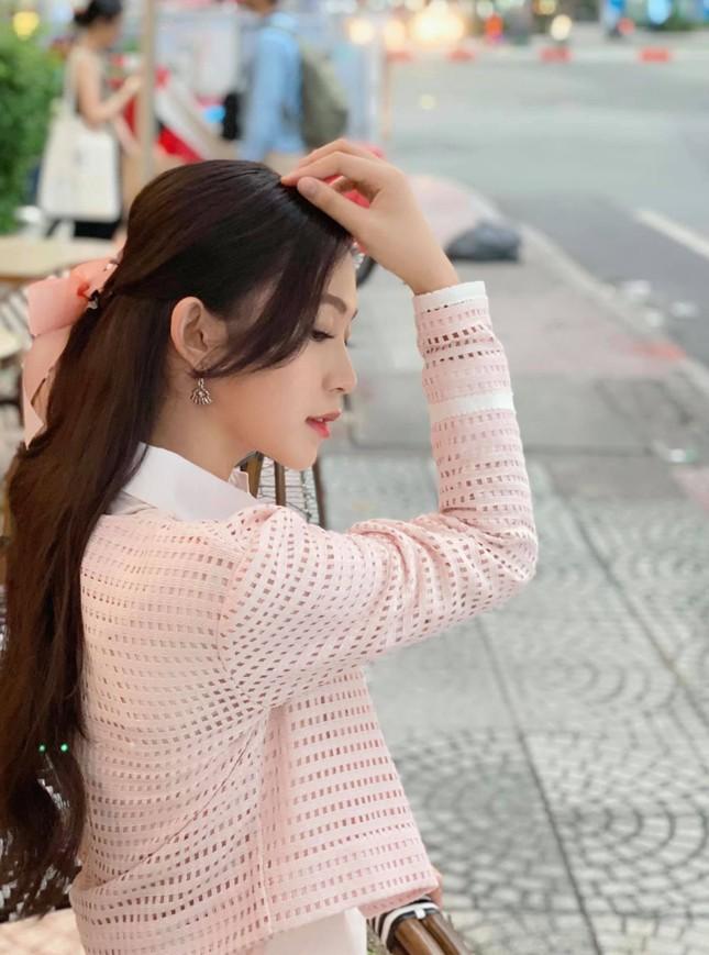 Nhan sắc đời thường đẹp khả ái của 'bản sao' hoa hậu Đặng Thu Thảo ảnh 12