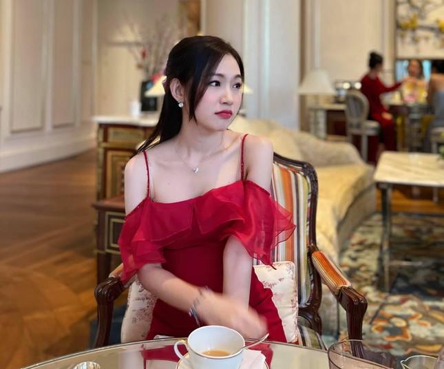Nhan sắc đời thường đẹp khả ái của 'bản sao' hoa hậu Đặng Thu Thảo ảnh 4