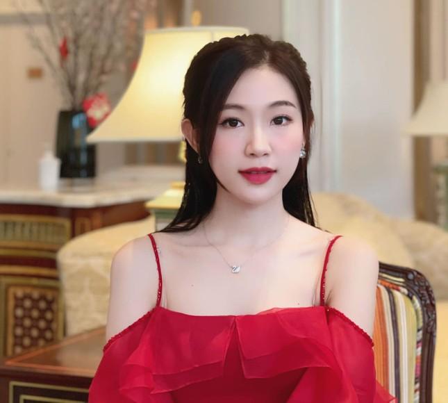 Nhan sắc đời thường đẹp khả ái của 'bản sao' hoa hậu Đặng Thu Thảo ảnh 3