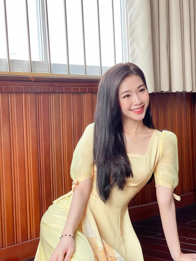 Nhan sắc đời thường đẹp khả ái của 'bản sao' hoa hậu Đặng Thu Thảo ảnh 10