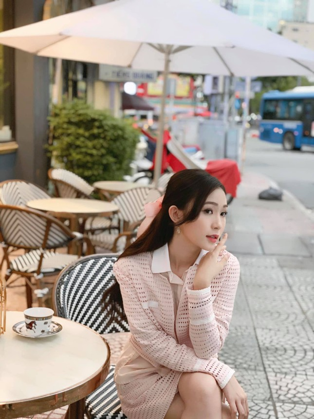 Nhan sắc đời thường đẹp khả ái của 'bản sao' hoa hậu Đặng Thu Thảo ảnh 11