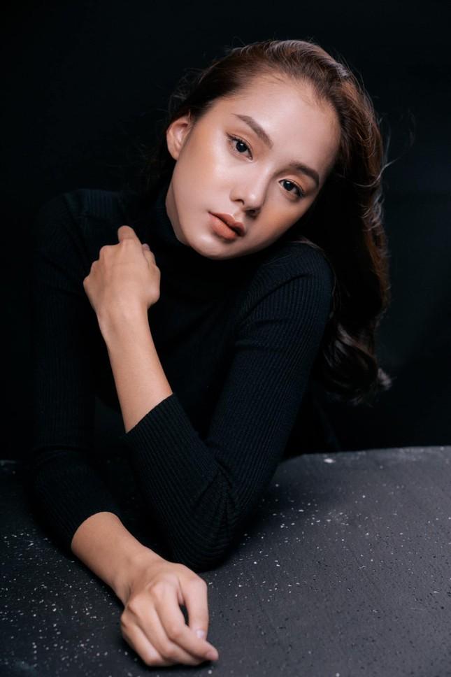 Nhan sắc hút hồn của 'bản sao' mỹ nhân Baifern từng thi Hoa hậu Việt Nam 2020 ảnh 2