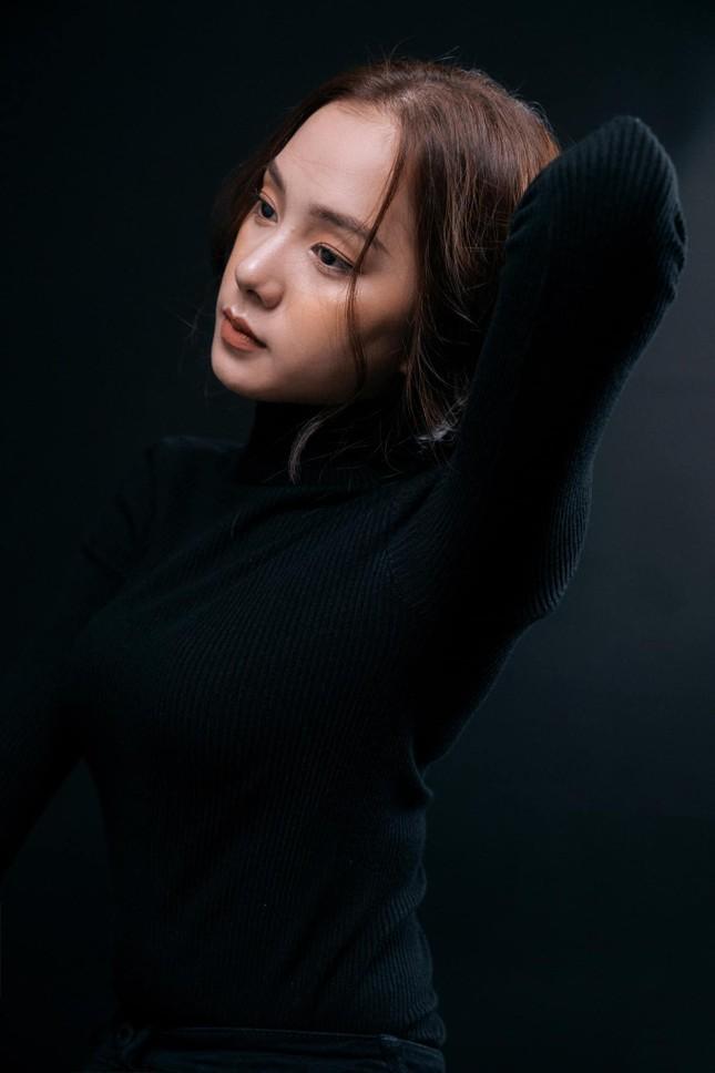 Nhan sắc hút hồn của 'bản sao' mỹ nhân Baifern từng thi Hoa hậu Việt Nam 2020 ảnh 4