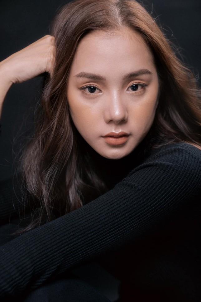 Nhan sắc hút hồn của 'bản sao' mỹ nhân Baifern từng thi Hoa hậu Việt Nam 2020 ảnh 3