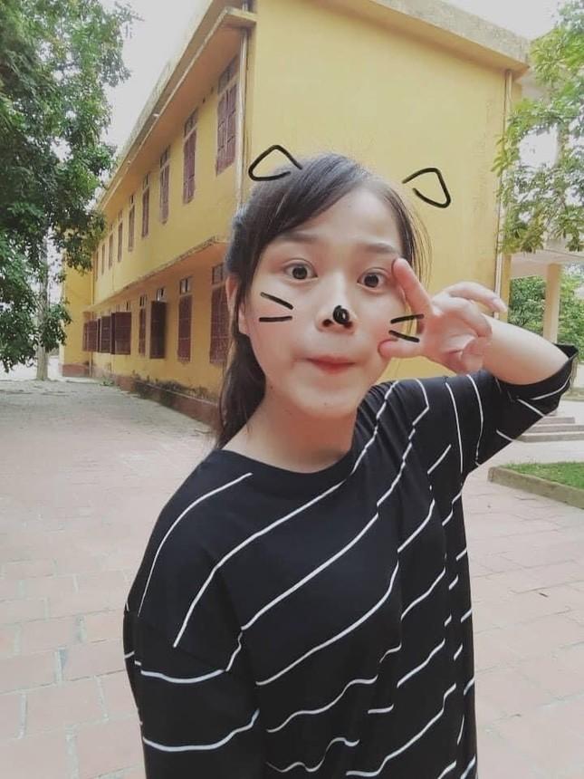Loạt ảnh mới 'khui' thời học sinh cực dễ thương của Hoa hậu Đỗ Thị Hà ảnh 10