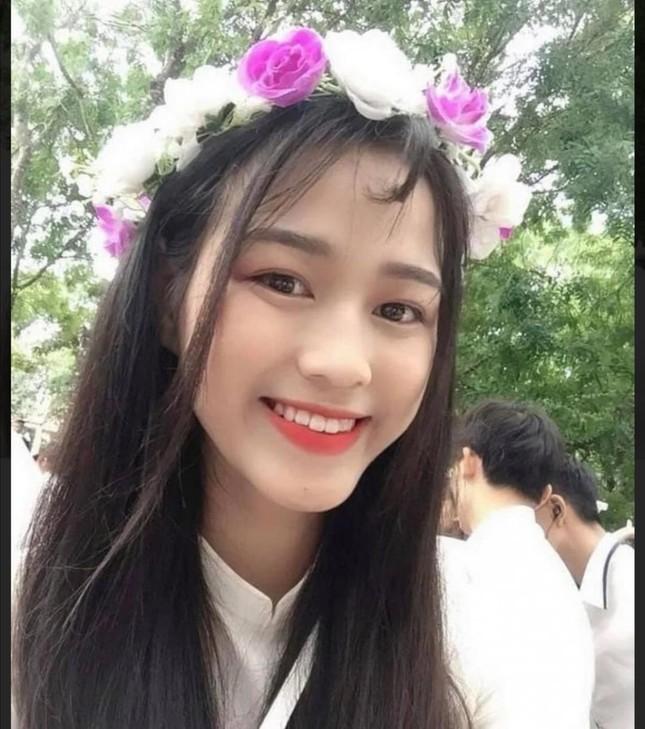 Loạt ảnh mới 'khui' thời học sinh cực dễ thương của Hoa hậu Đỗ Thị Hà ảnh 3