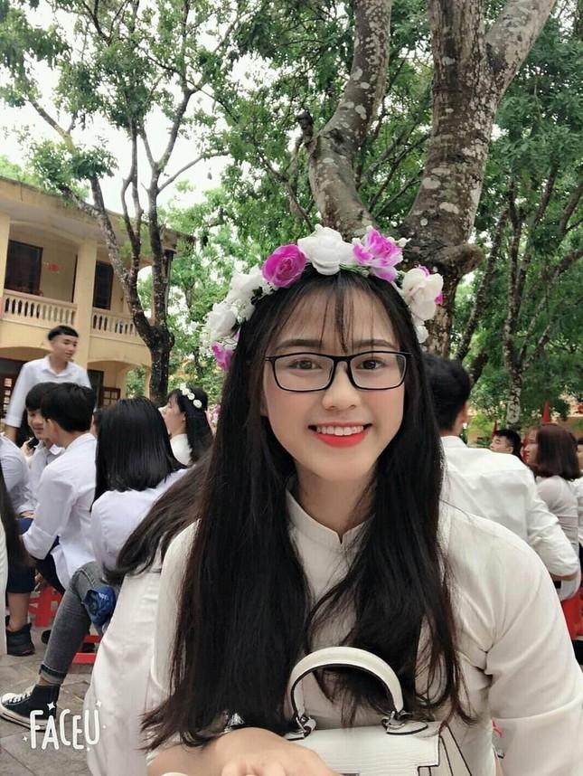 Loạt ảnh mới 'khui' thời học sinh cực dễ thương của Hoa hậu Đỗ Thị Hà ảnh 4