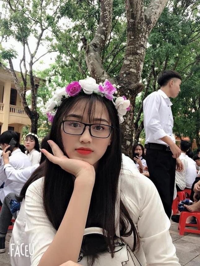 Loạt ảnh mới 'khui' thời học sinh cực dễ thương của Hoa hậu Đỗ Thị Hà ảnh 6