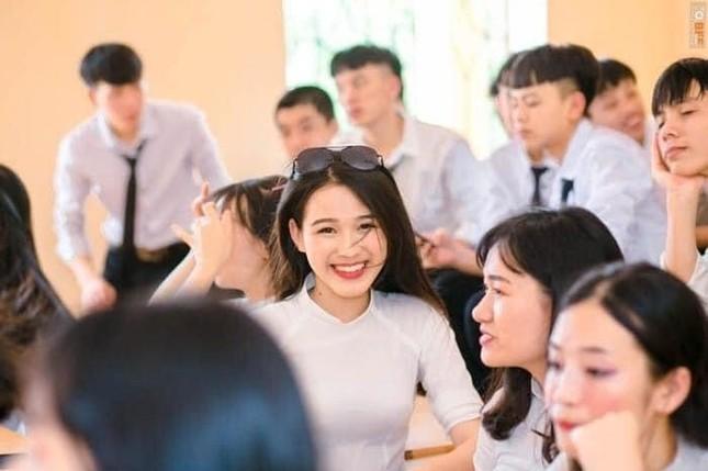 Loạt ảnh mới 'khui' thời học sinh cực dễ thương của Hoa hậu Đỗ Thị Hà ảnh 9