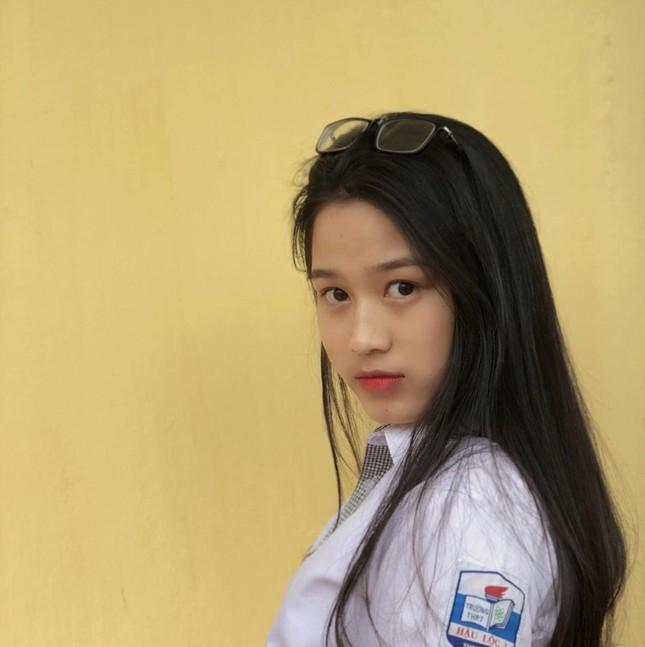 Loạt ảnh mới 'khui' thời học sinh cực dễ thương của Hoa hậu Đỗ Thị Hà ảnh 7