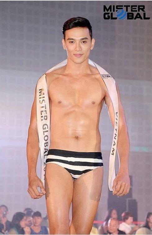 Người mẫu Thuận Nguyễn lộ ảnh da bọc xương khiến fan lo lắng ảnh 4