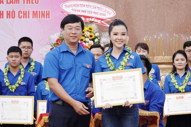 Hoa khôi Huỳnh Thúy Vi háo hức tham gia giải chạy báo Tiền phong ảnh 1