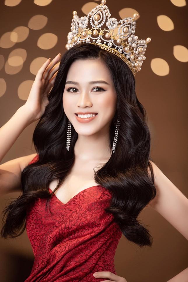 Đỗ Thị Hà chia sẻ thời điểm khó khăn nhất sau đăng quang Hoa hậu Việt Nam 2020 ảnh 1