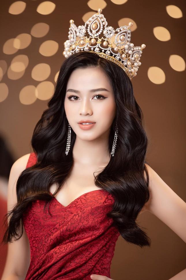 Đỗ Thị Hà chia sẻ thời điểm khó khăn nhất sau đăng quang Hoa hậu Việt Nam 2020 ảnh 3