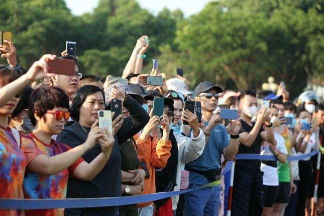 Toàn cảnh Lễ Thượng cờ Giải Tiền Phong Marathon 2021 ảnh 14