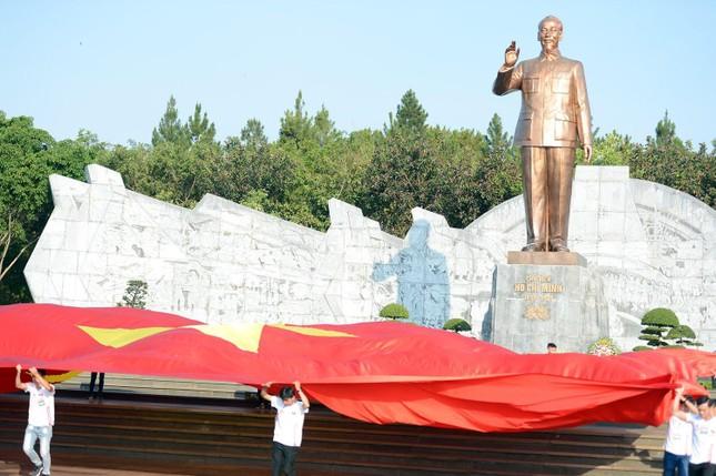 Toàn cảnh Lễ Thượng cờ Giải Tiền Phong Marathon 2021 ảnh 17