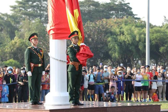 Toàn cảnh Lễ Thượng cờ Giải Tiền Phong Marathon 2021 ảnh 11