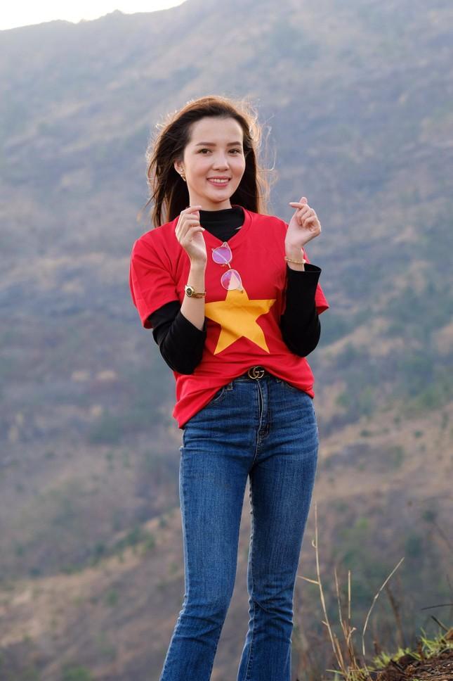 Hoa hậu Đỗ Thị Hà diện áo trắng giản dị, đẹp tinh khôi trên đỉnh núi lửa Chư Đăng Ya ảnh 18